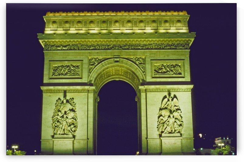 Arc de Triomphe by Michael Bancas