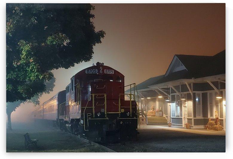 Train by HappyDewDrop