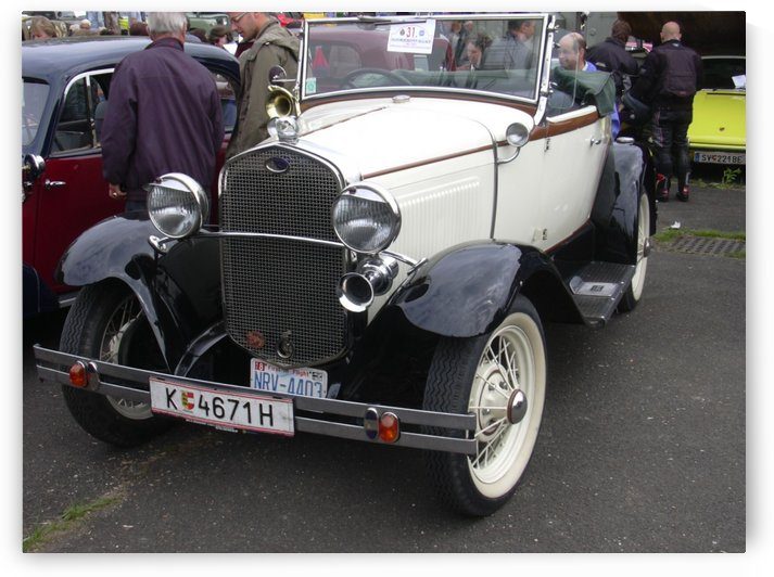 Vintage car in italian exposition by Alex Pell