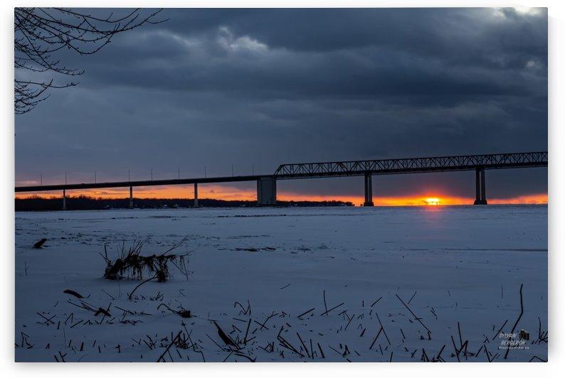 Penombre sur le pont by Sylvain Bergeron Photographies