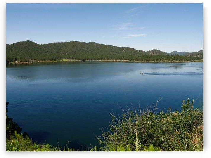 Lake Scenery by On da Raks
