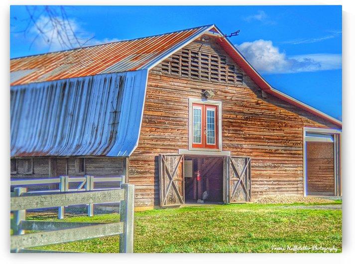 Barn Life..... by Travis Huffstetler Photography