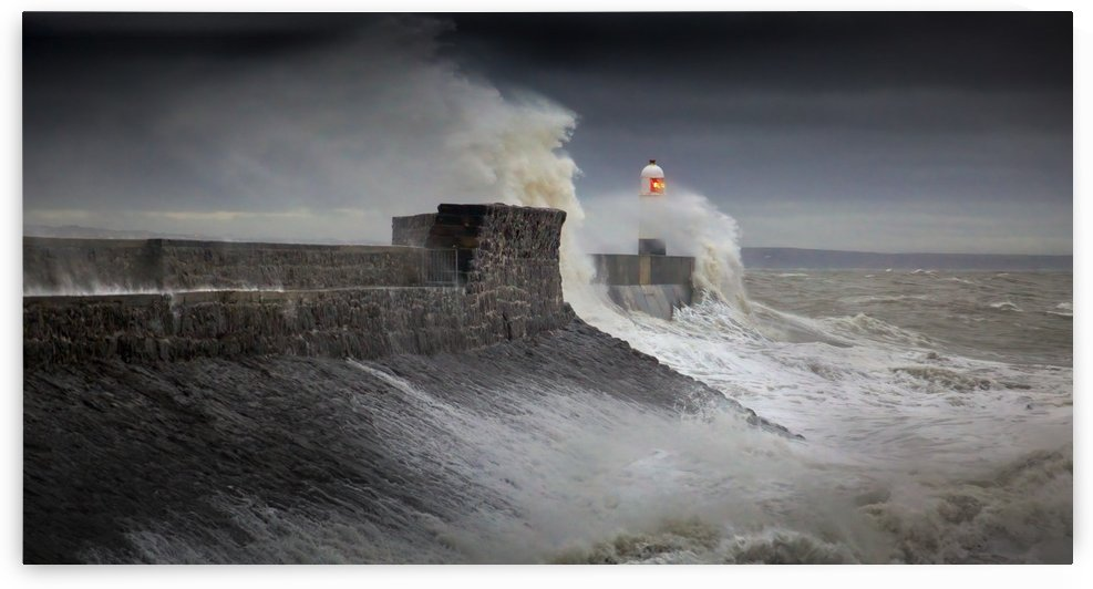 Storm Ciara reaches the Welsh coast by Leighton Collins