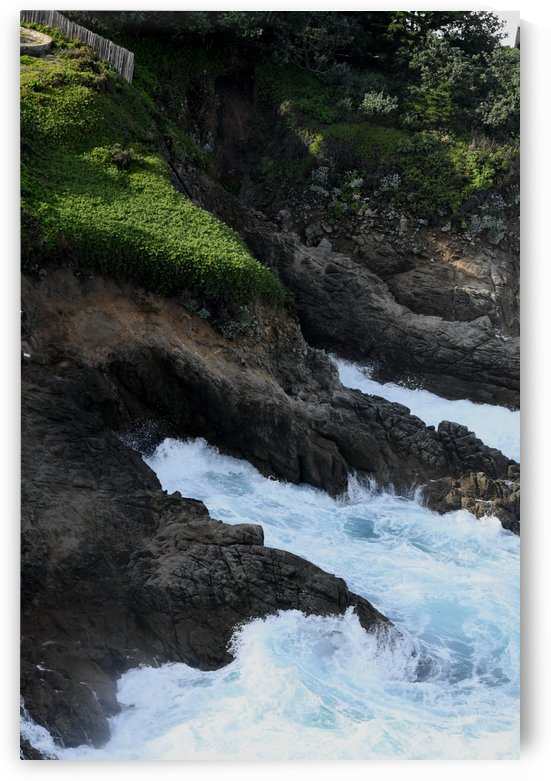 Crashing Sea by H.Hart Photography