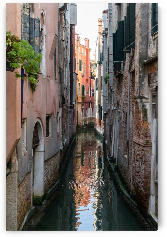 Classic Venetian - Small Canal Silky Ripples  by GeorgiaM