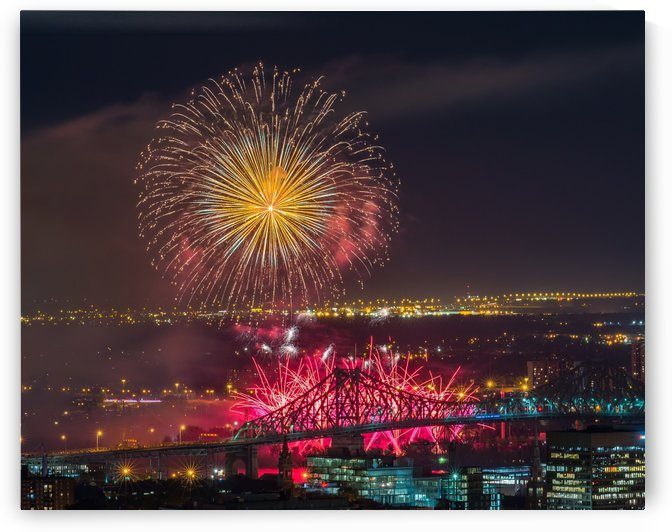 Fireworks over the city by RezieMart