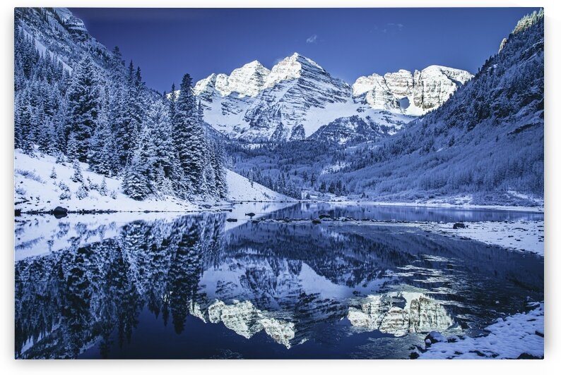 Maroon Bells Dressed in white by Sebastian Dietl