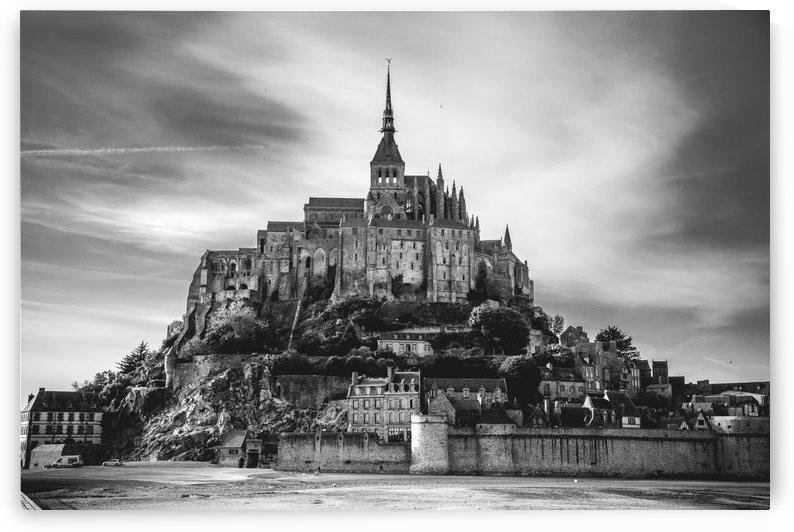 B&W Mont Saint Michel by Sebastian Dietl