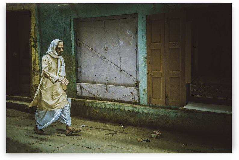 Varanasi Window - The Spy by Sebastian Dietl