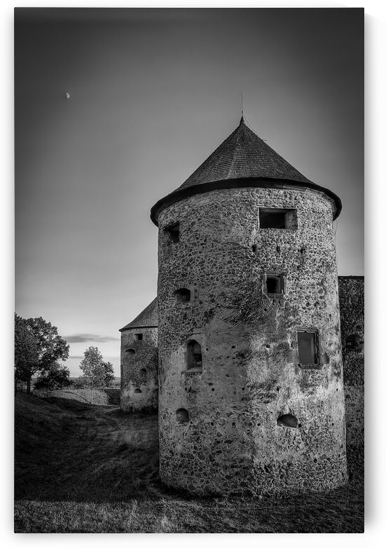Old castle tower by Michal Dunaj