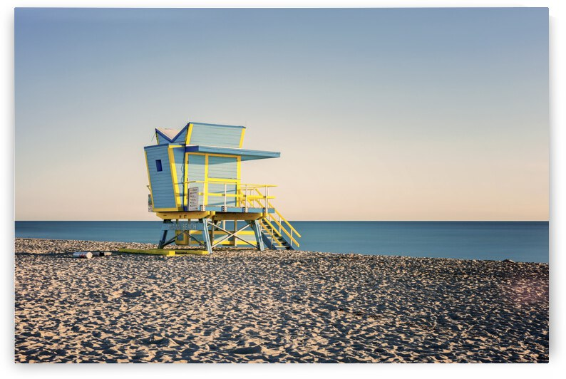 Miami Beach 075 by Charles Pertwee