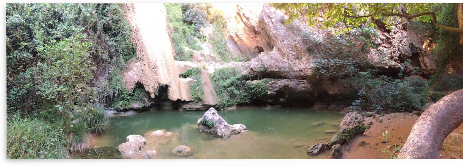 Kalimaris Waterfall during summer by Gui Barret