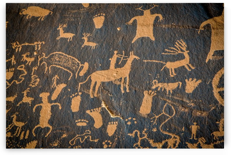 Petroglyphs on newspaper rock in Canyonlands national park Utah USA by Francois Lariviere