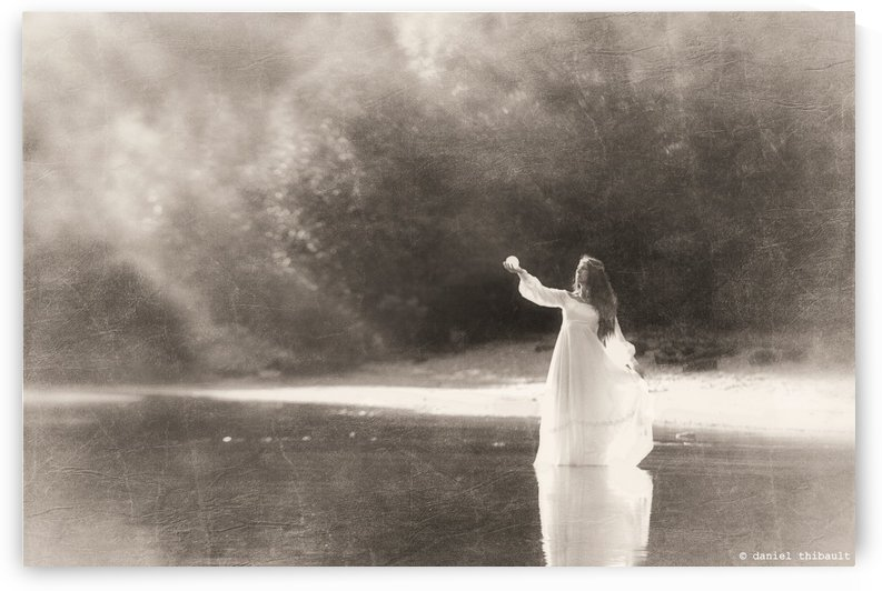 Lady by the lake by Daniel Thibault artiste-photographe