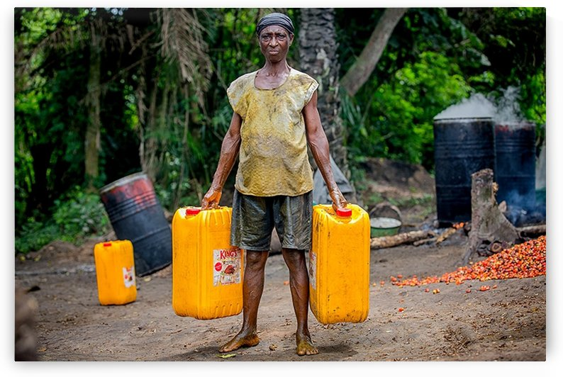 Mrs Dorcas (65) is one of the passionate women who are involved tiredlessly on the local production of Palmoil by emmans4alls