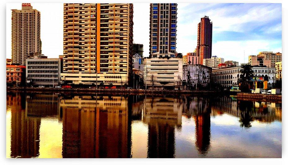 Urban mirror by jgarcia
