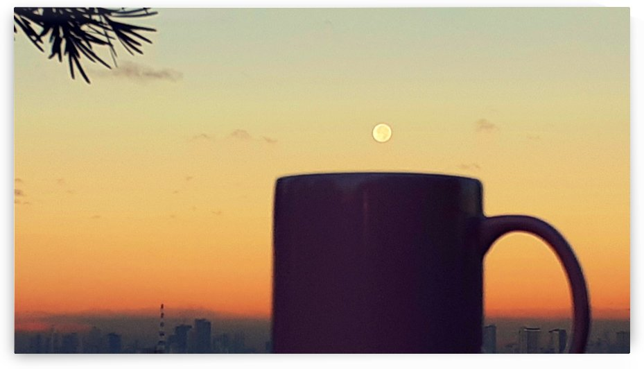 Morning coffee with the moon by jgarcia