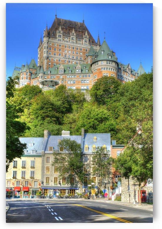 Rue Champlain et Chateau Frontenac by Christian Bibeau