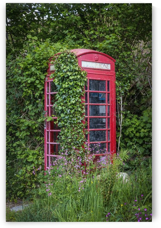 Abandoned British phone booth by Leighton Collins