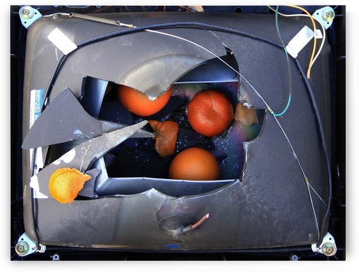 Oranges by Miels El Nucleus