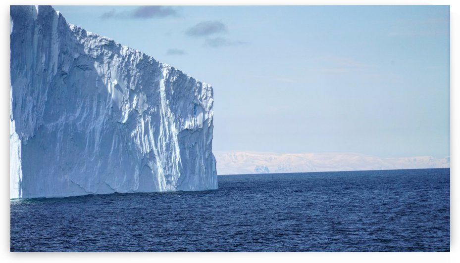 Iceberg channeling our way through the Antarctic sea  by Cameratic