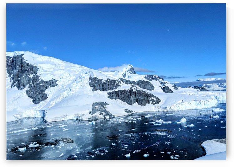 Antarctica  by Cameratic