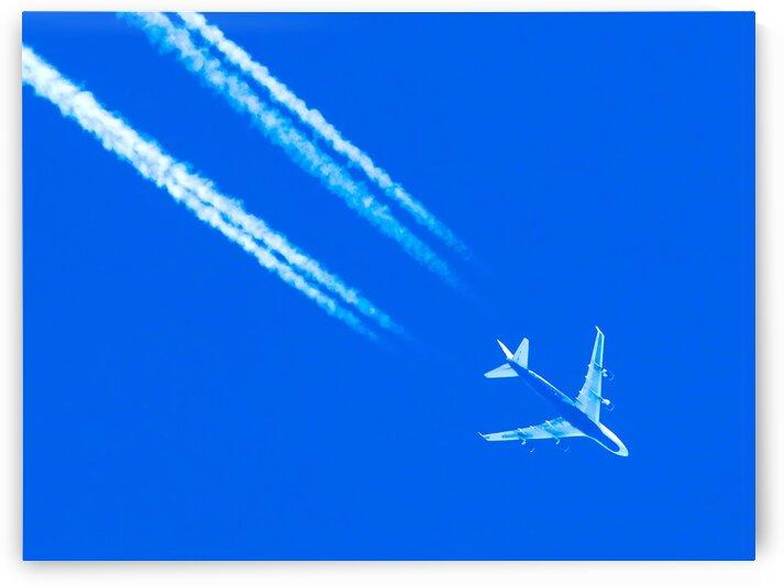 Boeing 747 Overhead Photo by Jonathan Kozub
