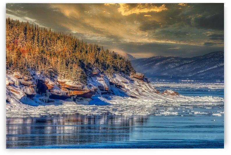 Pointe St-Pierre sous la glace by Glenn Albert