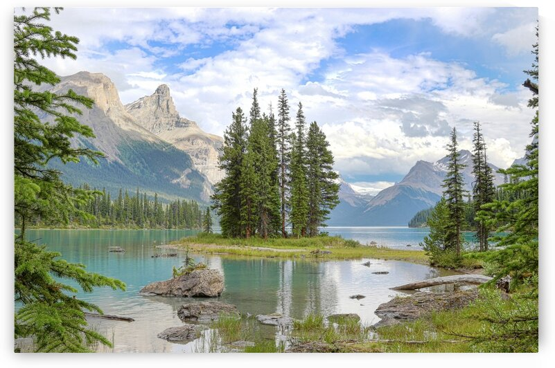Spirit Island Jasper National Park Alberta Photo by Jonathan Kozub