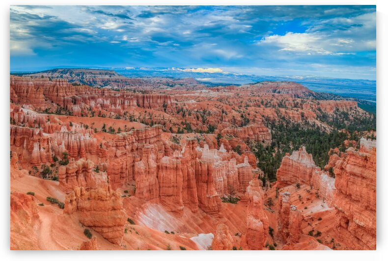 THE AMAZING BRYCE CANYON-UTAH by Bill Sherrell