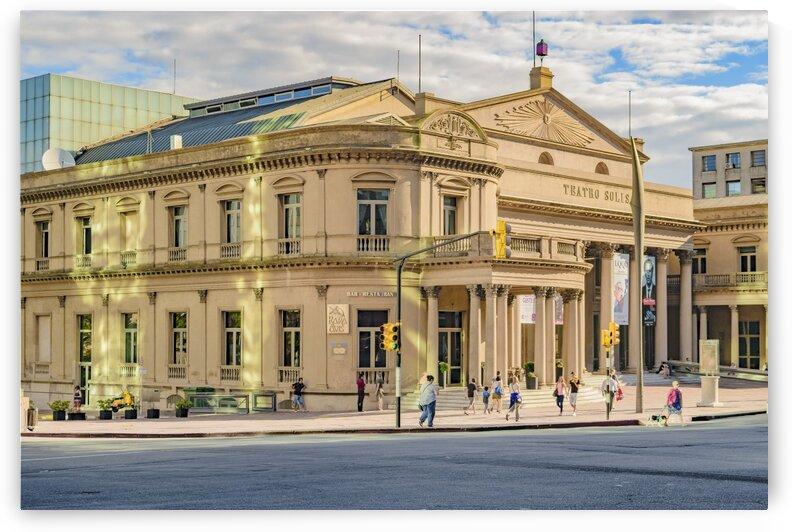 solis theater exterior view montevideo uruguay by Daniel Ferreia Leites Ciccarino