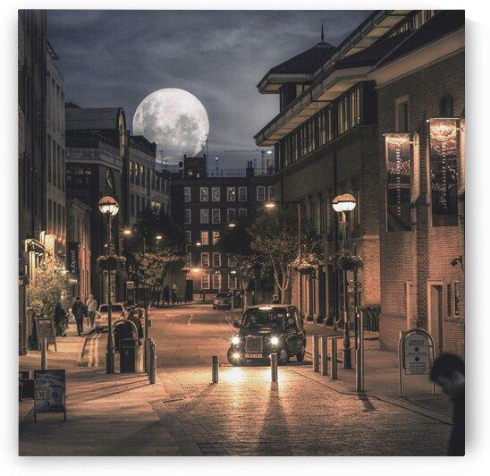 Harvest moon London - United Kingdom by Steven Sandner