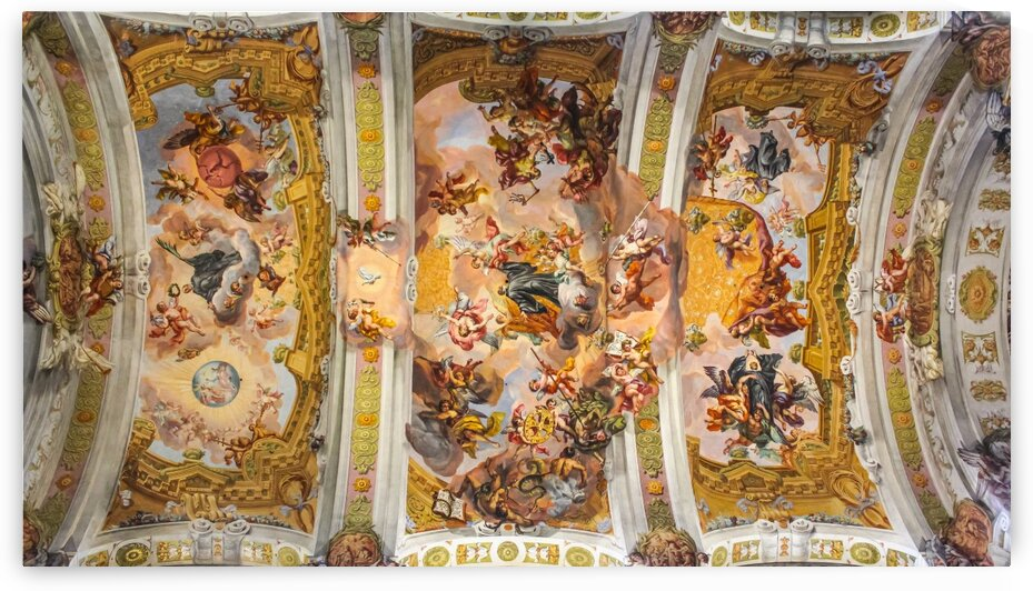 Ceiling fresco in the central arch by Nicholas