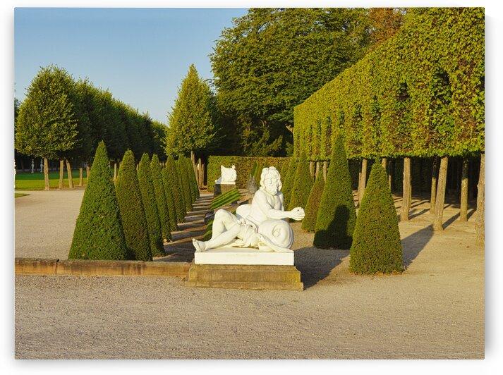 Statue castle garden Schwetzingen by Florian Emmert