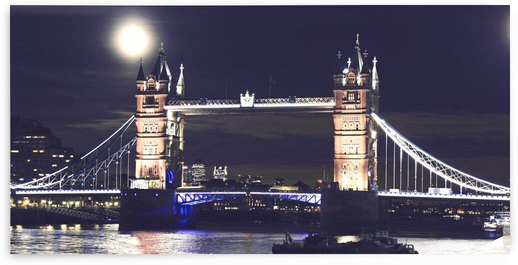 London by Night by Bentivoglio Photography
