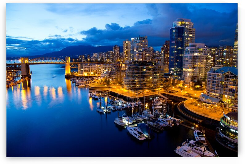 Vancouver night view  by Winston Mauricio Casco Sobalvarro