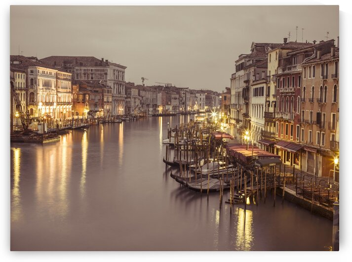 The Grand canal at dusk, Venice, Italy by Assaf Frank
