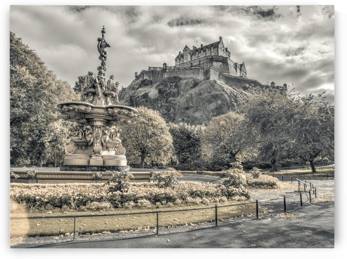 Edinburgh Castle by Assaf Frank