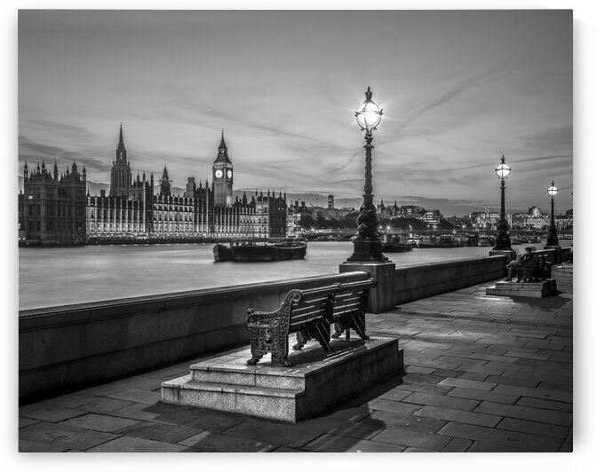 Benchs by the walkway next to river thames, London, Uk by Assaf Frank