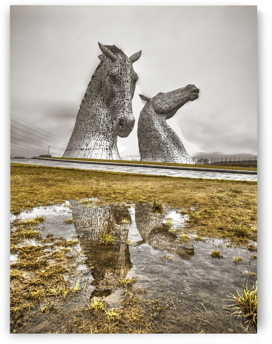 The kelpies horse statue at the Helix park in Falkirk , Scotland by Assaf Frank