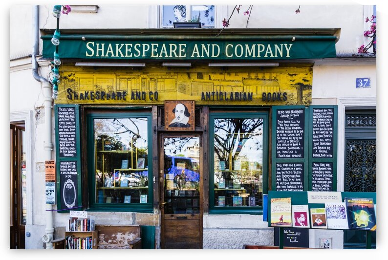 Shakespeare and Co in Paris by bj clayden photography