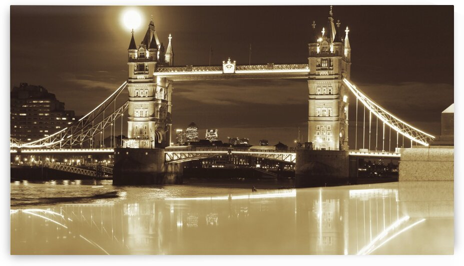 Vintage Tower Bridge - london  by Bentivoglio Photography
