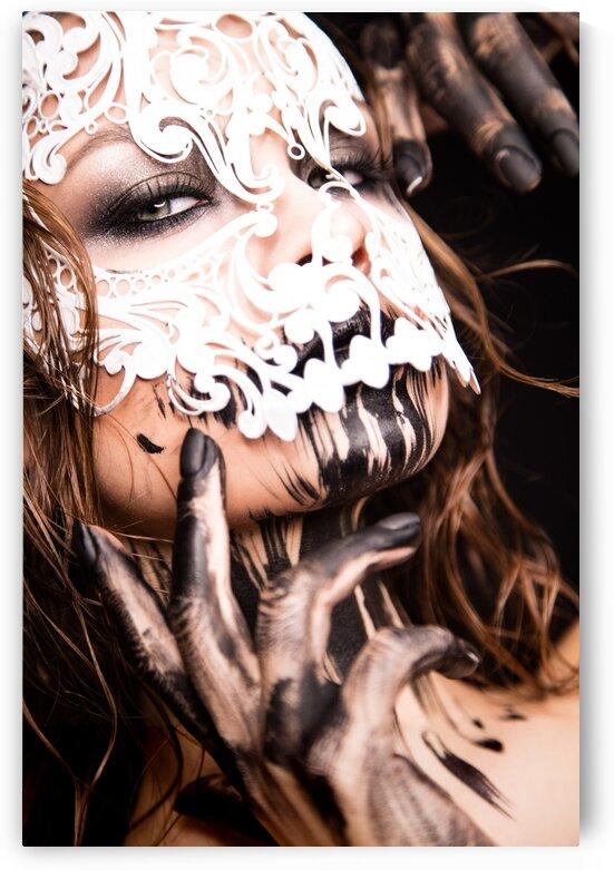Sexy skull face art by Dmitro Inozemtsev