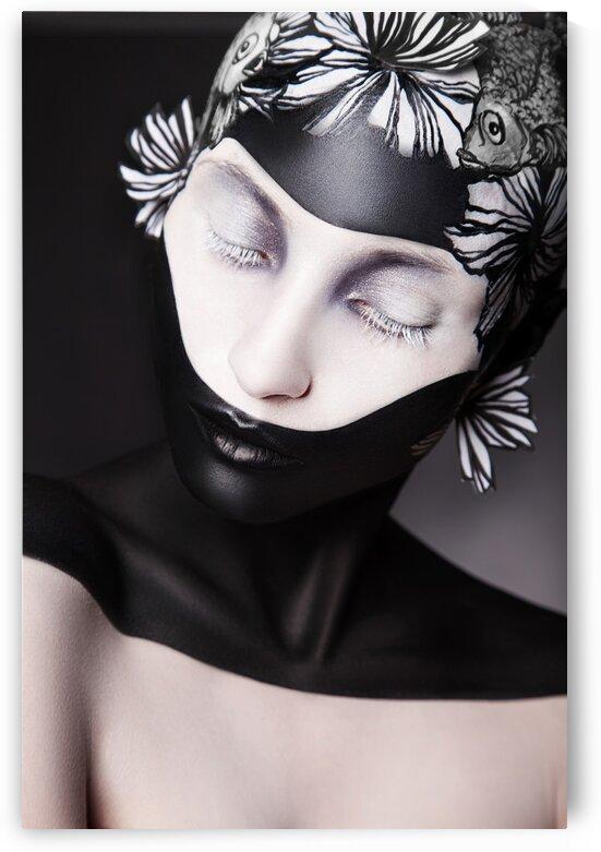 Black and white  by Dmitro Inozemtsev
