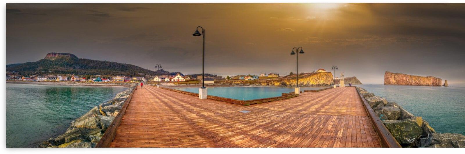 Panorama du quai de Perce by Glenn Albert