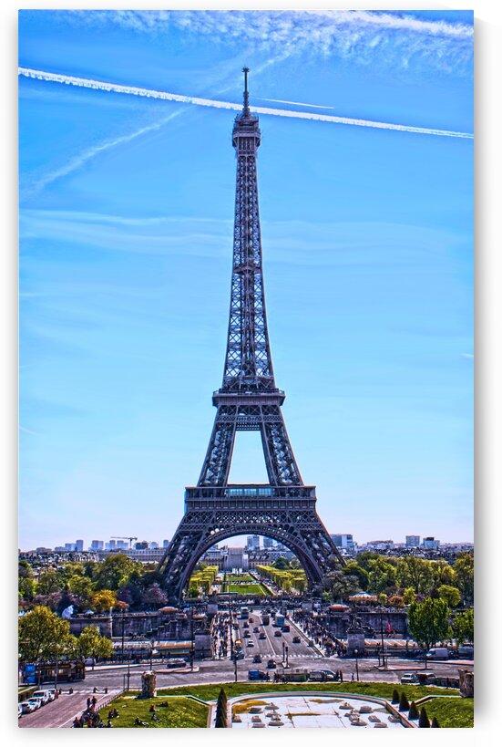 Majestic Eiffel by 1North