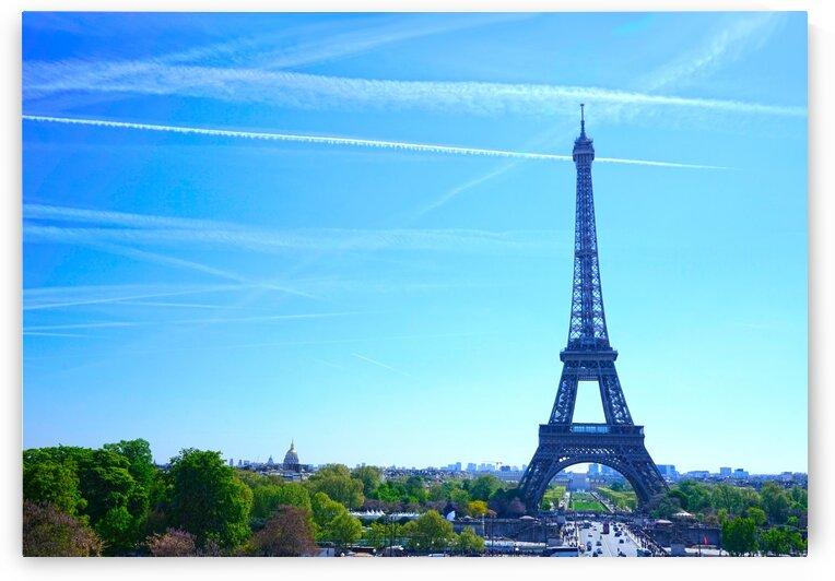 Eiffel Tower by 1North