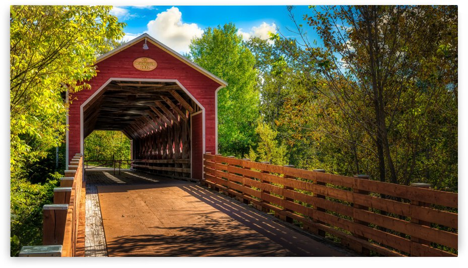 Pont couvert Beausejour Amqui by Glenn Albert