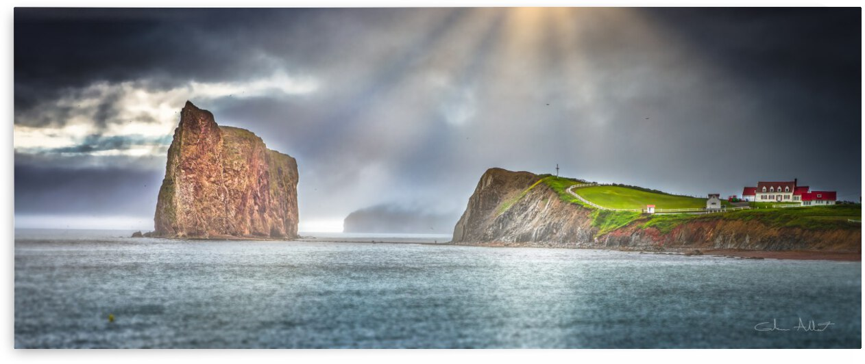 Cap Mont-Joli et son Rocher Perce by Glenn Albert
