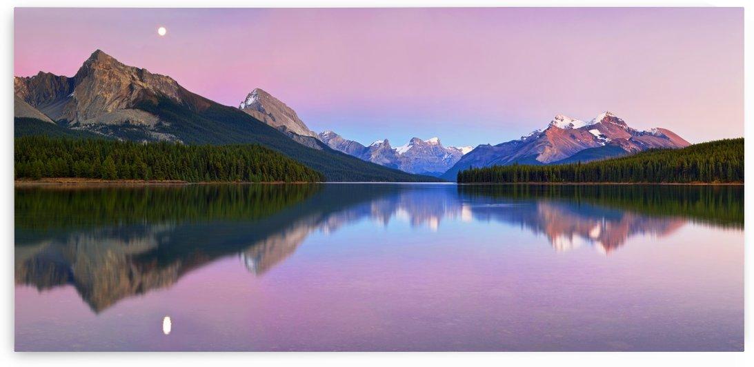 Maligne Lake by 1x